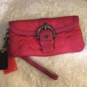 Coach signature Soho Buckle wristlet/wallet 🎀